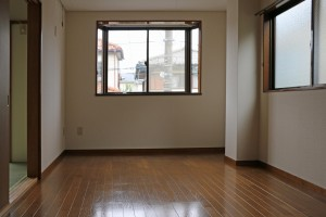 洋室7.5帖、出窓付き