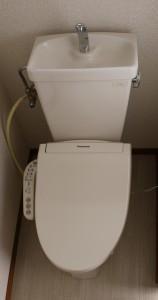 独立トイレには温水洗浄便座